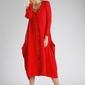 Czerwona sukienka zapinana na guziki