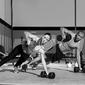 Fototapeta mężczyzna i kobieta gym push-up pushup siła