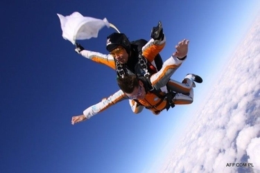 Skok ze spadochronem dla dwojga - poznań - konin