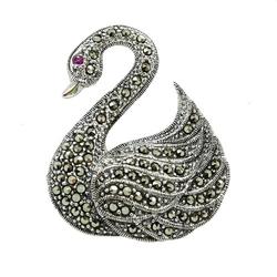 Laima srebrna broszka z markazytami łabędź