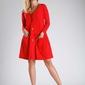 Czerwona luźna sukienka zapinana na guziki