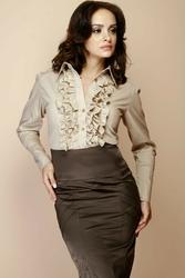 Beżowa kobieca koszula z falbankami