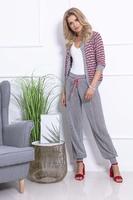 Ciemno szary stylowy komplet ażurowe spodnie i sweter bez zapięcia