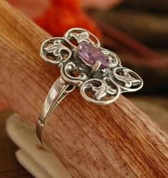 Luise - srebrny pierścionek z ametsytem