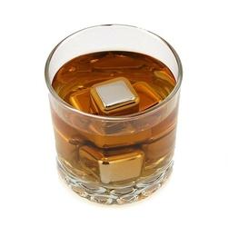 Metalowe kostki do drinków