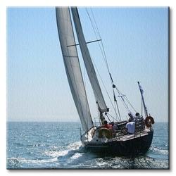 Jacht na niebieskim morzu - obraz na płótnie