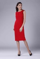 Czerwona wizytowa ołówkowa sukienka z zakładką na ramionach