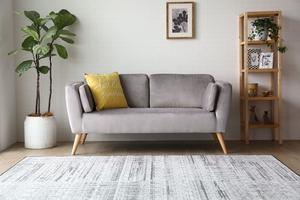 Sofa dwuosobowa catlyn jasnoszara welur