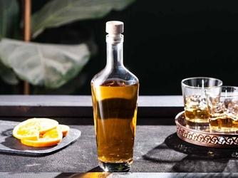 Butelka  karafka do nalewki, na oliwę i ocet hrastnik alaska 750 ml z korkiem