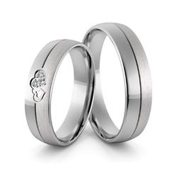 Obrączki ślubne z białego złota palladowego splecione serca  z brylantami - au-969