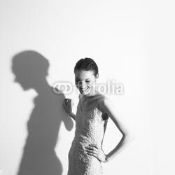 Plakat na papierze fotorealistycznym młoda ładna kobieta