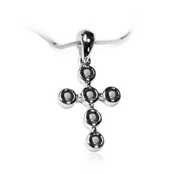Staviori wisiorek. 6 diamentów, kolor czarny, szlif brylantowy, masa 0,18 ct.. białe złoto 0,750. wymiary 10,5x22 mm.
