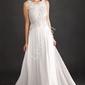 Biała suknia ślubna zdobiona kwiatami koronkowymi i perełkami 1362