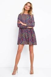 Krótka zwiewna sukienka z geometrycznym wzorem