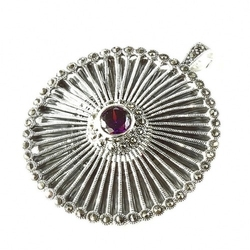 Jodie; srebrny wisiorek, broszka z markazytami i ametystową cyrkonią