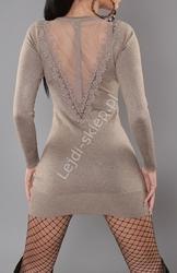 Dzianinowa sukienka w kolorze mokka z tiulem na plecach s901