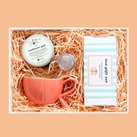 Zestaw prezentowy na wyjątkową okazję brzoskwiniowy giftbox. zestaw 20 herbat różnego i rodzaju i smaku 20x 58g, herbata biała malinowe goji 100g, stylowy kubek i poręczny zaparzacz