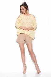 Ażurowy sweter z wyciętymi ramionami - cytrynowy