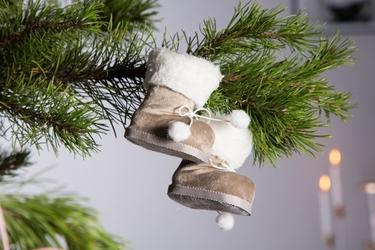 Ozdoba choinkowa  zawieszka na boże narodzenie altom design buciki beżowe