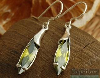 Montas - srebrne kolczyki z oliwinem