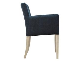 Klasyczny fotel nila z gładkim oparciem