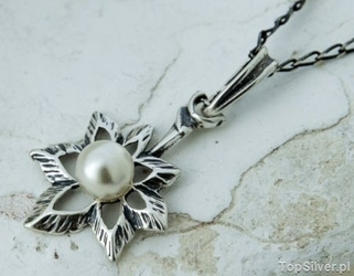 Livia - srebrny wisiorek z perłą