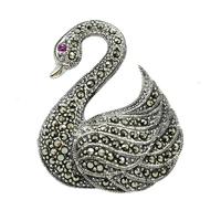 Laima; srebrna broszka z markazytami, łabądź