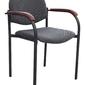Tapicerowane krzesło z drewnianymi nakładkami styl n