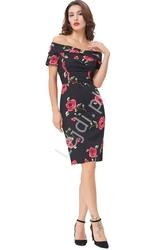 Sukienka ołówkowa czarna w róże  z dekoltem carmen