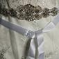 Śnieżno biały pasek do sukien ślubnych z kryształkami i sztucznymi perełkami 910