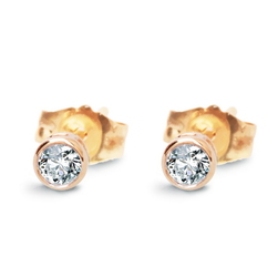 Staviori Kolczyki. 2 Diamenty, szlif brylantowy, masa 0,20 ct., barwa H, czystość SI1-SI2. Żółte Złoto 0,585. Średnica 3,90 mm. Grubość 2,80 mm.