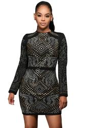 Czarna sukienka z wzorami, pikowana