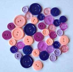Kolorowe guziki 3 wielkości40 szt różowo-fioletow - RŻF