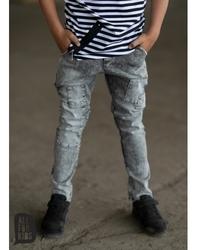 Grafitowe spodnie z łatkami