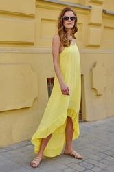 Długa asymetryczna sukienka na ramiączkach - żółta