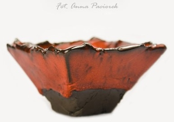 Piramidka kadzielnica ceramiczna do spalania ziół, agnihotry, żywic