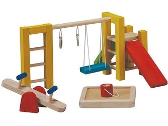 Drewniany plac zabaw dla lalek