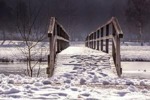 Fototapeta na ścianę zaśnieżony drewniany most fp 3389