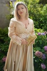 Przepiękna złota suknia wieczorowa z rozcięciem na spódnicy, luna plus size