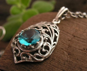 SIDE - srebrny wisiorek z akwamarynem