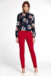Kwiatowa granatowa elegancka bluzka ze stójką i wiązaną tasiemką