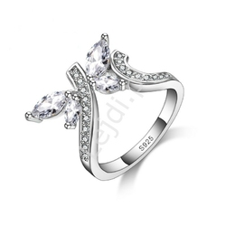Srebrny pierścionek z cyrkoniami - motylek