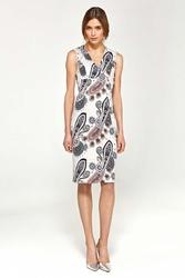 Wzorzysta elegancka dopasowana sukienka do kolan z dekoltem v