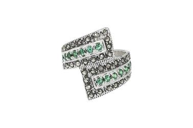 Srebrny pierścionek z markazytami i cyrkoniami