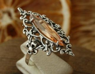 Junga - srebrny pierścionek z topazem złocistym