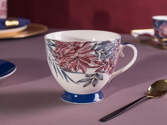 Duży kubek na stopce  filiżanka jumbo porcelanowa na prezent altom design margo 350 ml