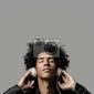Plakat słuchanie muzyki