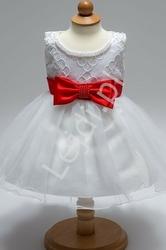 Biała sukienka dla dziewczynki z czerwonym paseczkiem z kokardką i koralikami