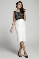 Ecru czarna elegancka dopasowana sukienka bez rękawów z koronką