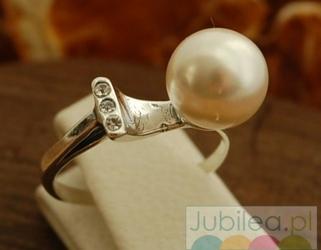 Abertis - srebrny pierścień perła z kryształkami